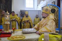 Архиепископ Артемий совершил литургию в храме деревни Самуйловичи
